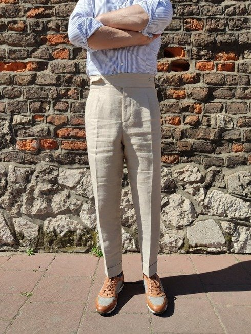 Preorder: pleated linen trousers 'Alfred III'