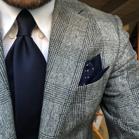 Granatowy krawat six fold z jedwabiu macclesfield