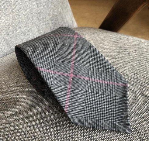Krawat wełniany BEZ PODSZEWKI w Kratę Księcia Walii