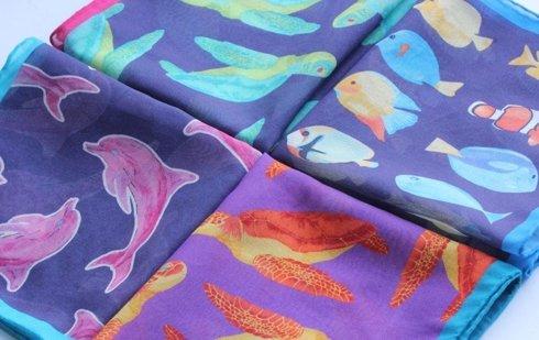 Poszetka bawełniano-jedwabna delfiny